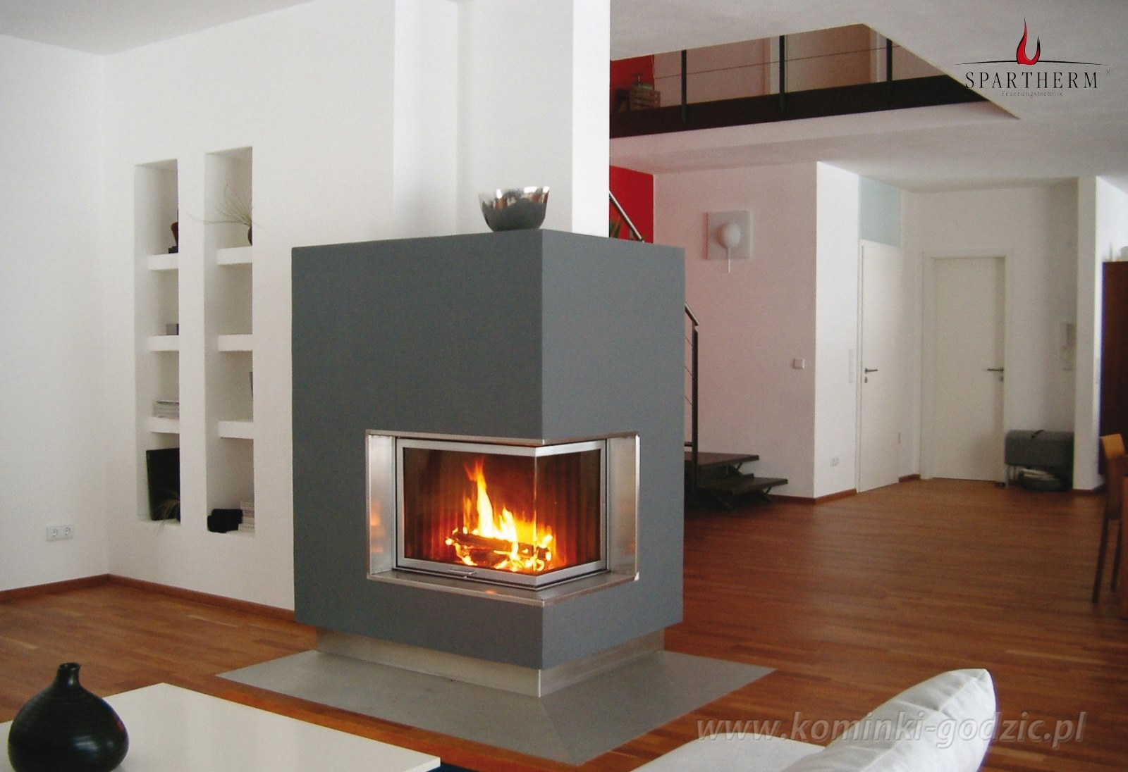 Kominki z szyb naro n galeria kominki - Decoracion de chimeneas modernas ...