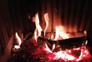 jak palić w kominku